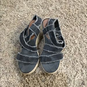 Shoes - Mattys size 7 wedges